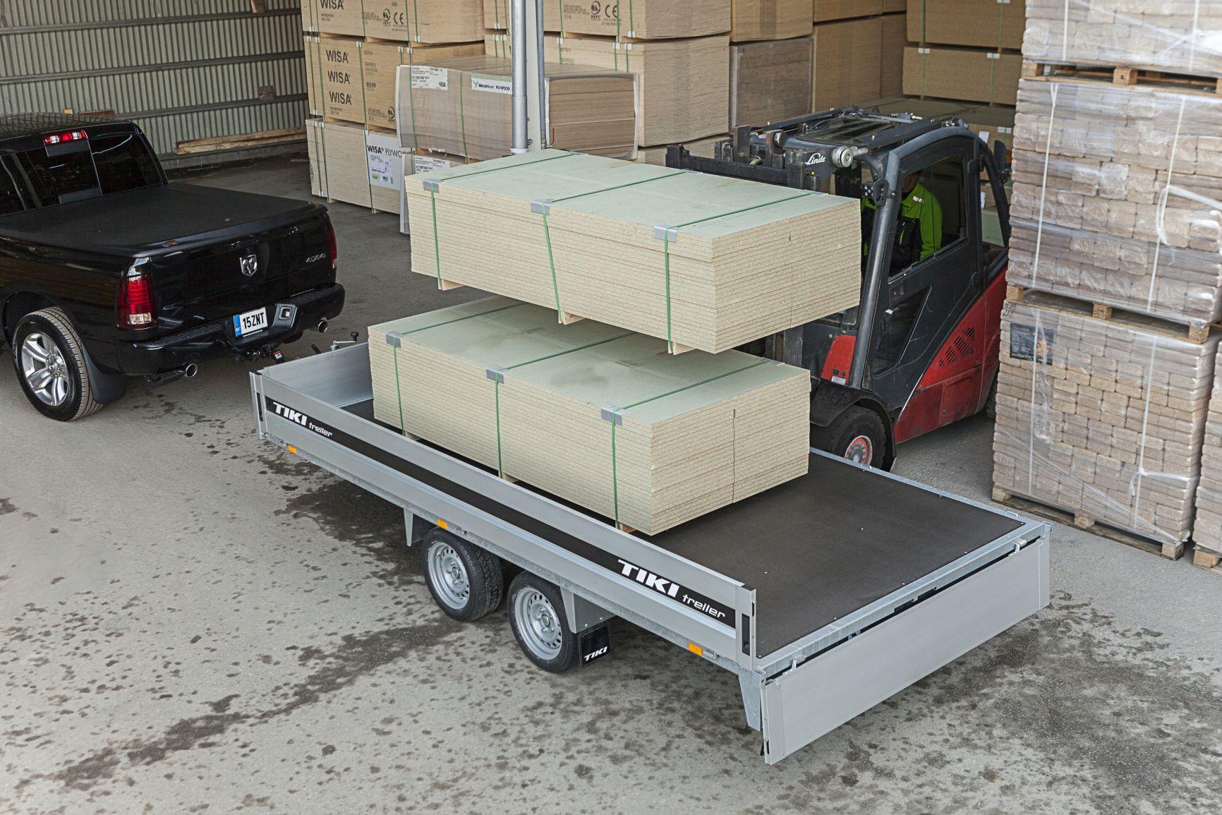 CP400-DRB/DROP/3500kg [Priekabų standartinė įranga gali skirtis nuo pavaizduotos komplektacijos paveiksliuke]